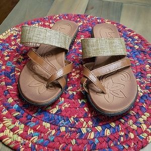 BOC flip flop NWOT brown/tan size 6